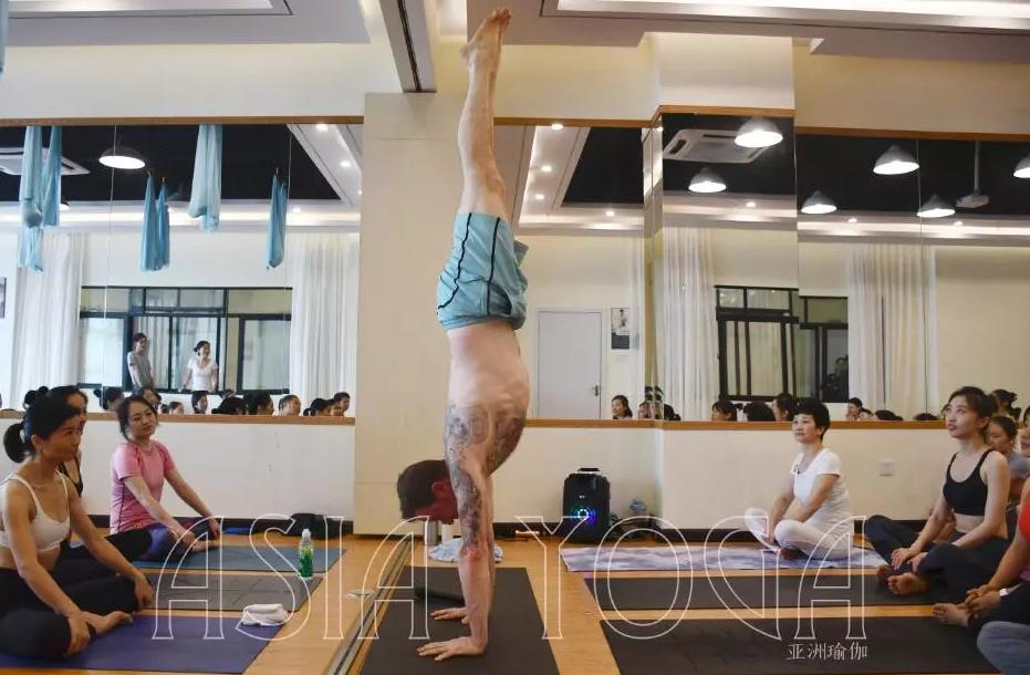 亚协体育国际瑜伽公开课