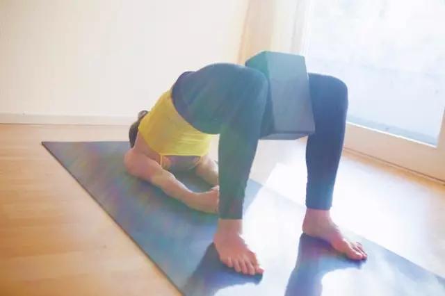 瑜伽一定要用瑜伽砖吗?