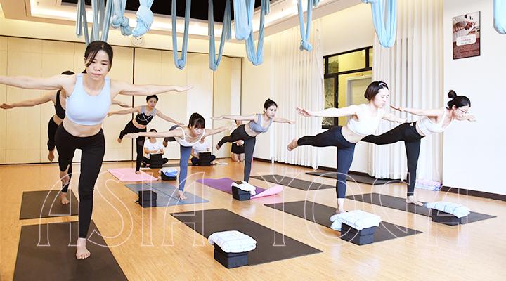 瑜伽老师的第1堂课都是从这里开始的!