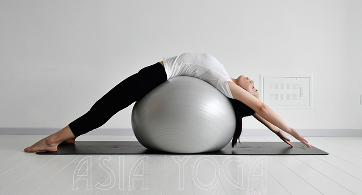 【特色提升课】巧用瑜伽球,「滚」出好身材!11月6日开班
