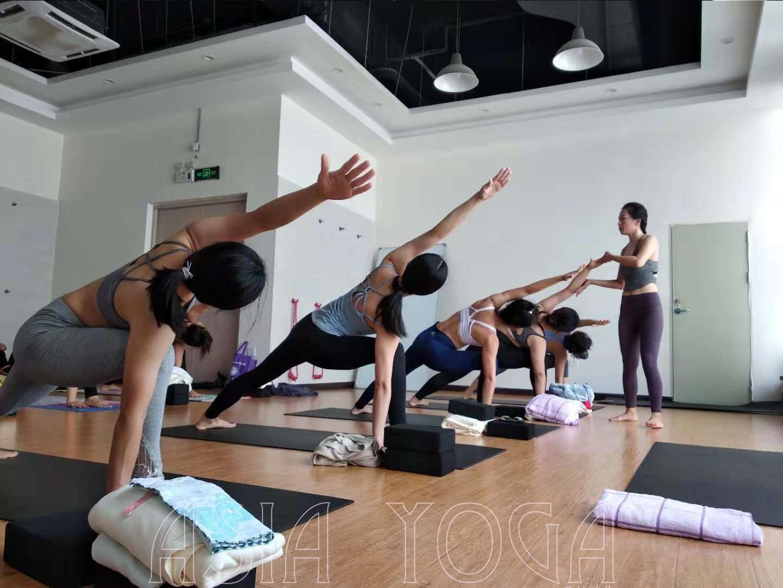 认真的你,最美了!【亚协体育就业指导中心瑜伽公开课圆满落幕】