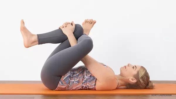 怎么做瑜伽才能不影响膝盖?