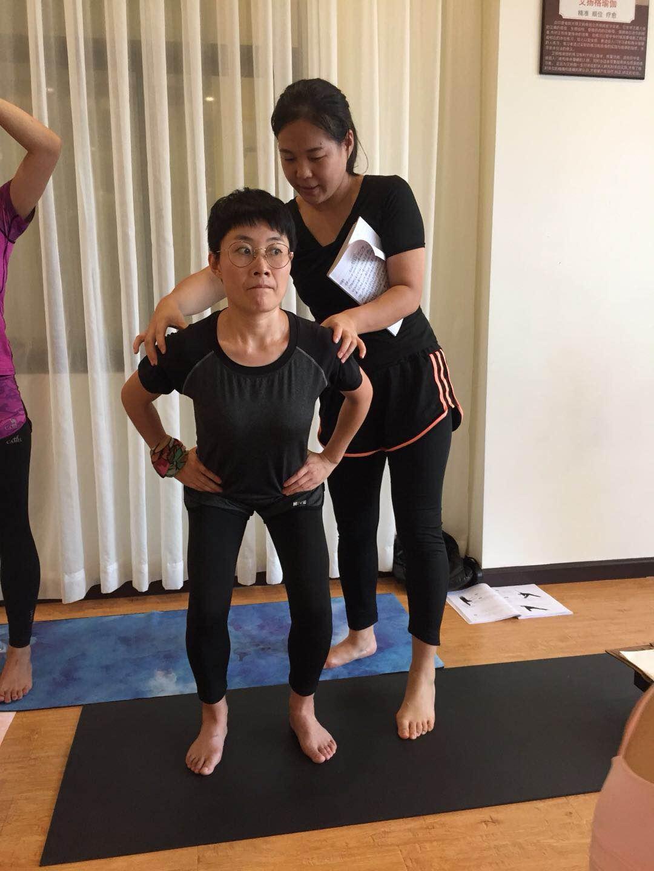 当瑜伽老师需要什么?这几点是当瑜伽老师之前要知道的事。