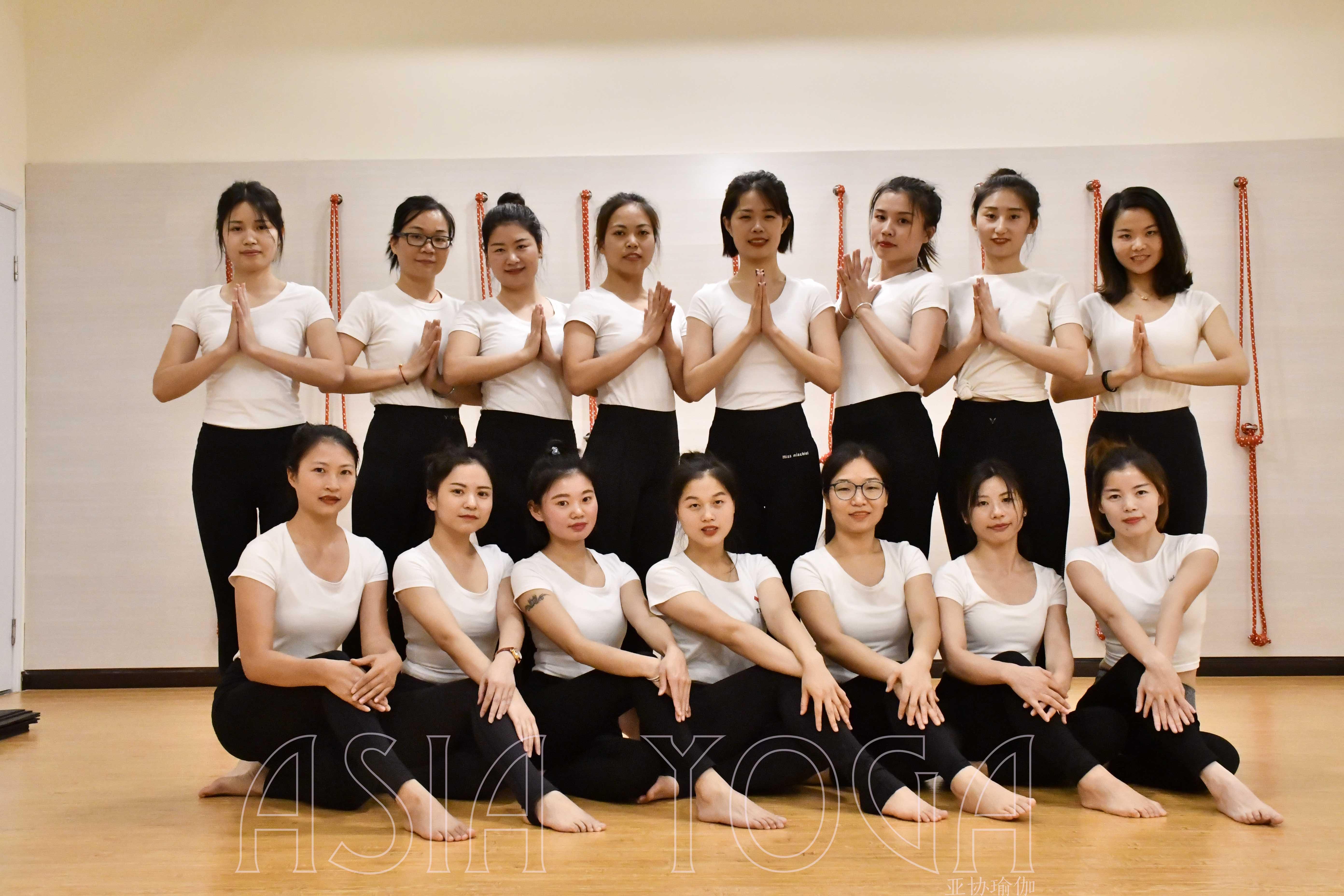 深圳亚协瑜伽第217届瑜伽教练培训晚班毕业啦!