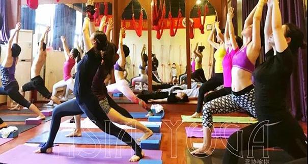 十大瑜伽培训机构排名,那些口碑好点?