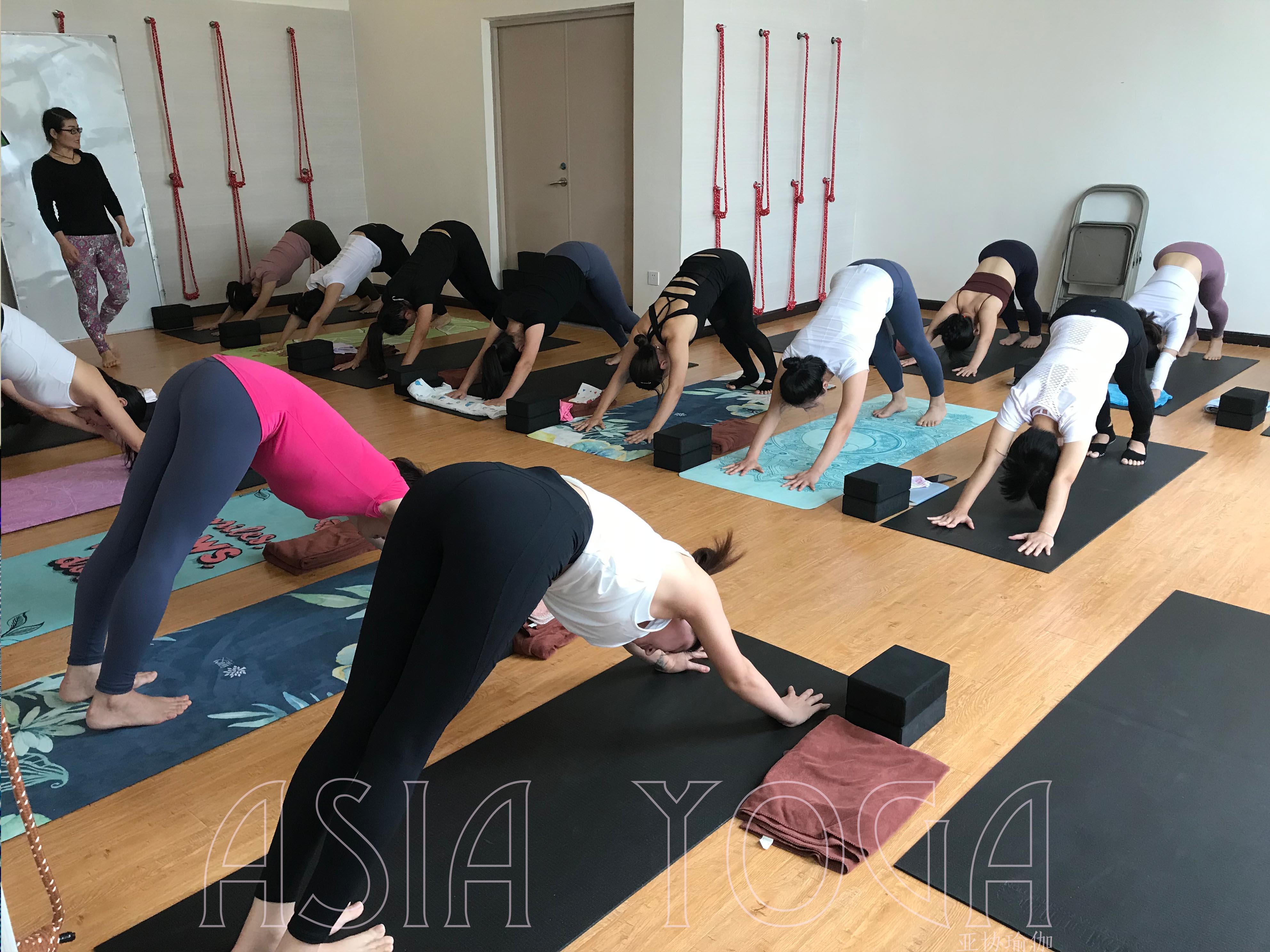 自学瑜伽教练可以吗?