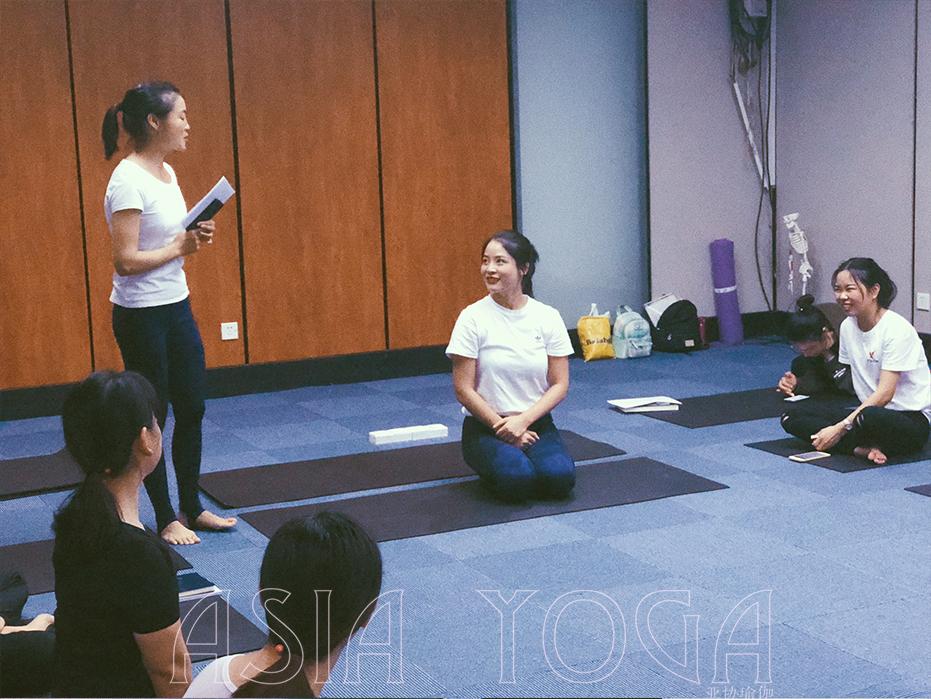 怎样考瑜伽教练资格证?
