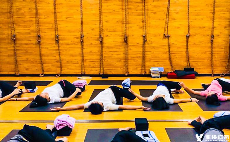 清晨瑜伽怎么做?你动作做对了吗?