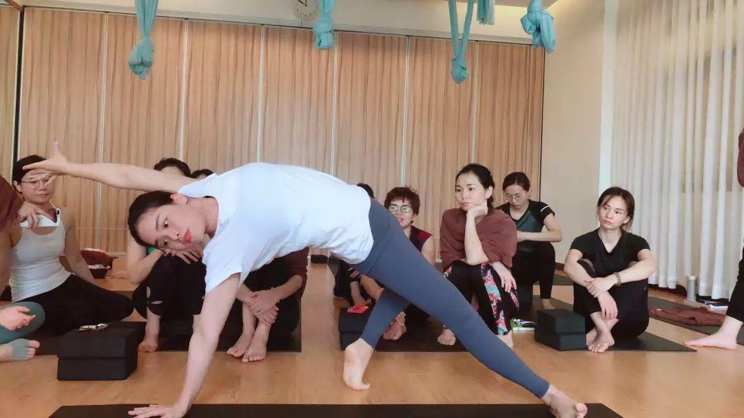 【瑜伽心得】241届瑜伽教练班钟女士—瑜伽带给我的收获