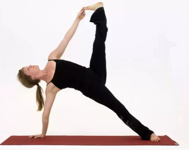女性【增强手臂力量】的瑜伽体式分享